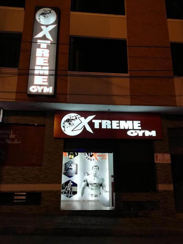 Xtreme Gym, Baños